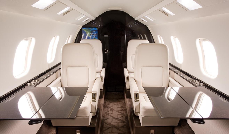 Learjet 60_Int_WEB.jpg