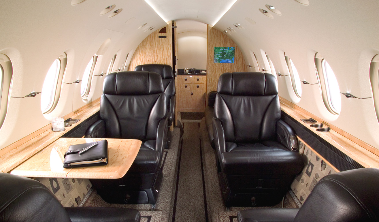 Hawker 800XP_Int_WEB.jpg