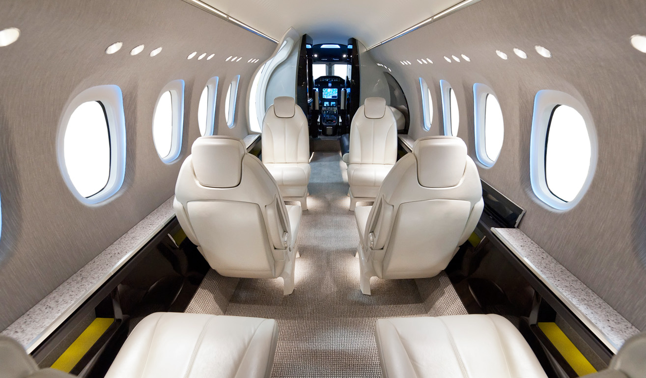 Cessna_Citation Latitude_Int_WEB.jpg