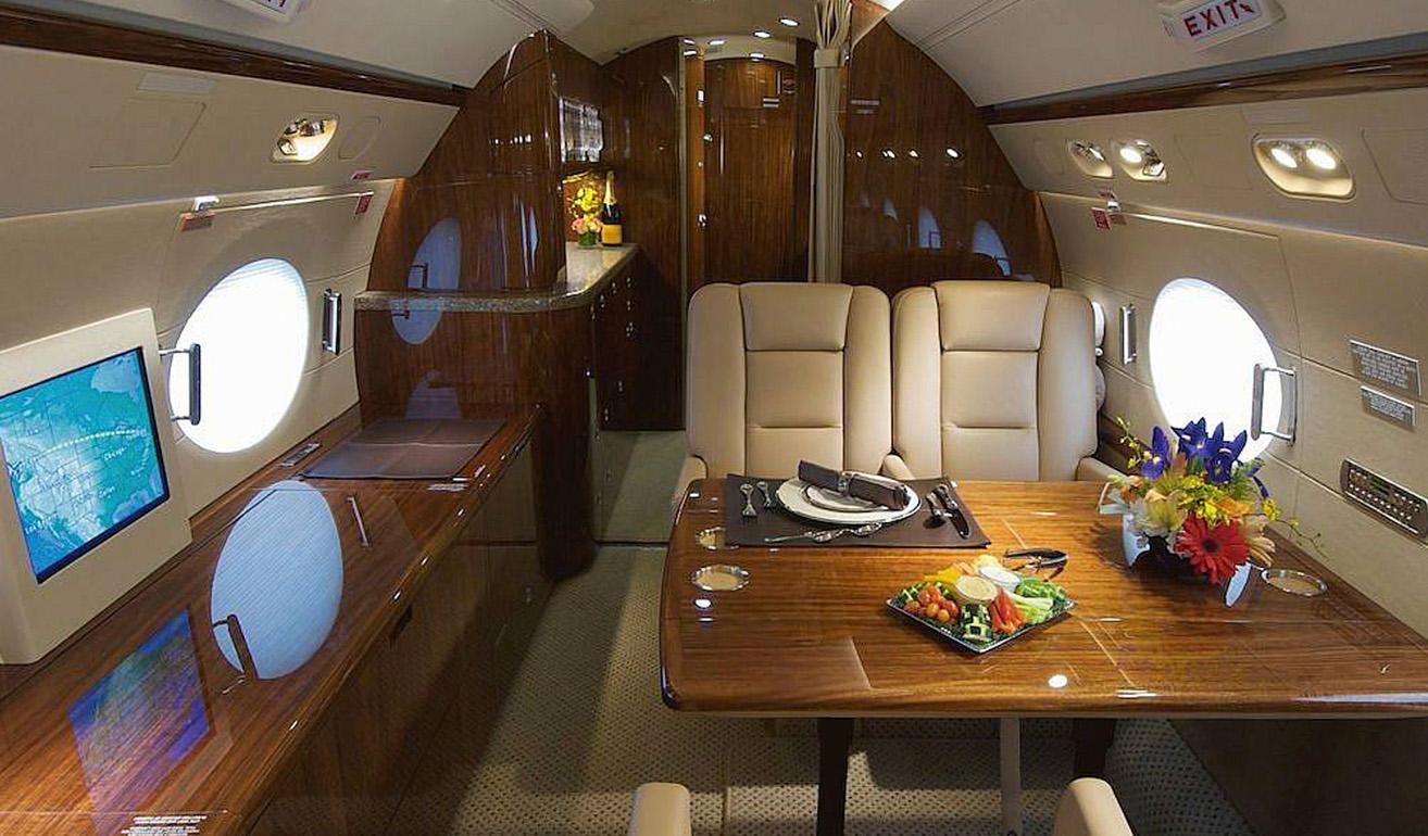 Gulfstream 300_cabin.jpg